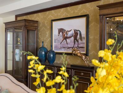 金葵装饰画提醒您:依据视线角度安排装饰画悬挂位置